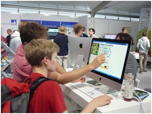 Präsentation des LandYOUs Spiels bei der Wissenschaftsnacht Bonn 2014. (c) DLR-PT/UFZ
