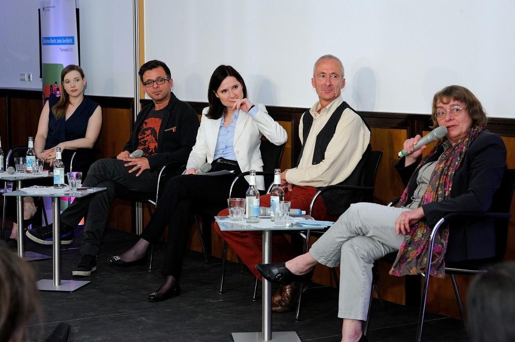von links nach rechts: Anne Wizorek, Atila Altun, Ines Arland, Thomas Gesterkamp, Dagmar Freudenberg Quelle: Ingo Heine